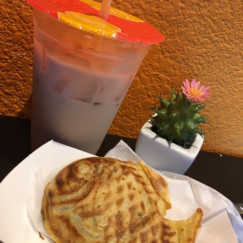 korean waffle with original milk tea 06.30.2017 - yelp