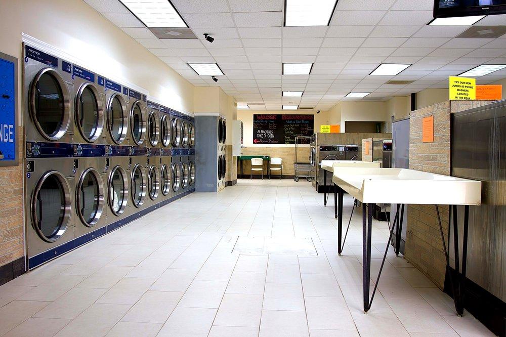 Londontowne Laundromat: 183 Mayo Rd, Edgewater, MD