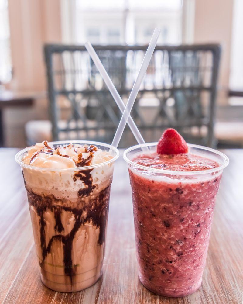 Yawl's Cafe: 468 Harborside Dr, Oriental, NC