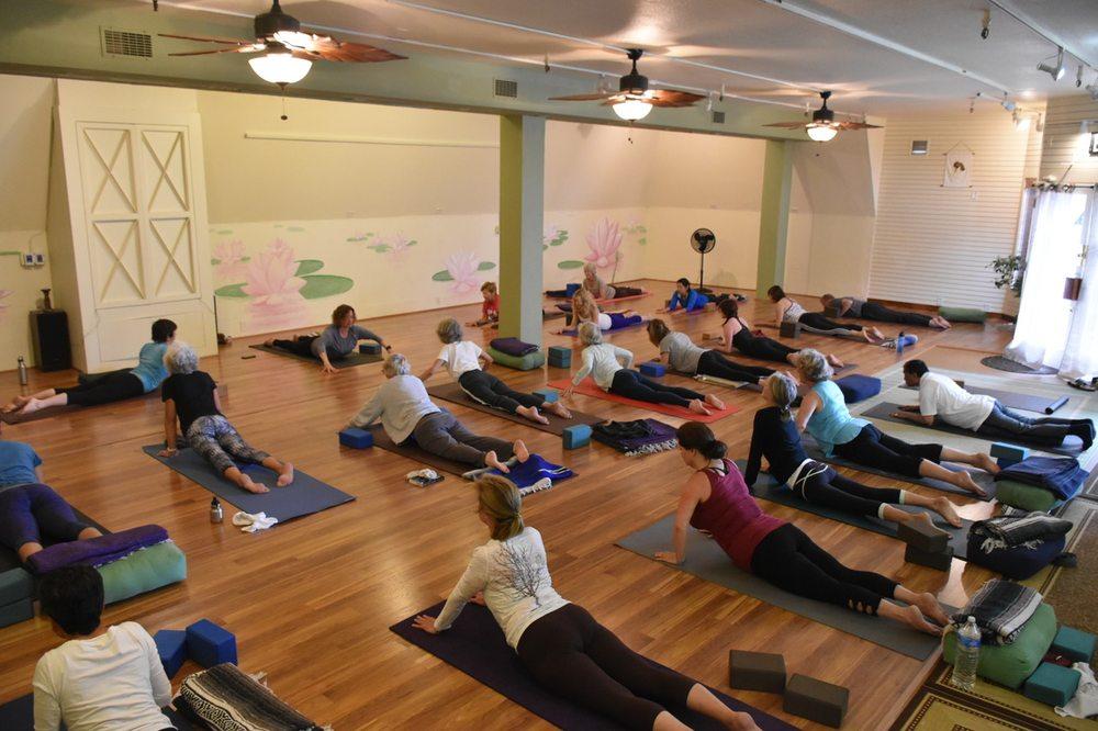 Seaside Yoga Sanctuary: Ocean Ave & Mission St, Carmel, CA