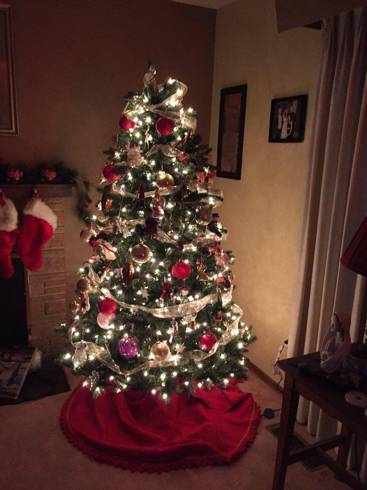 christmas tree market closed 16 photos 19 reviews christmas trees 14525 sw millikan way beaverton or phone number yelp
