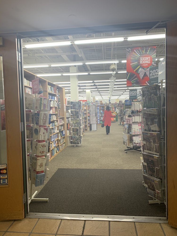 Half Price Books: 8118 Montgomery Rd, Cincinnati, OH