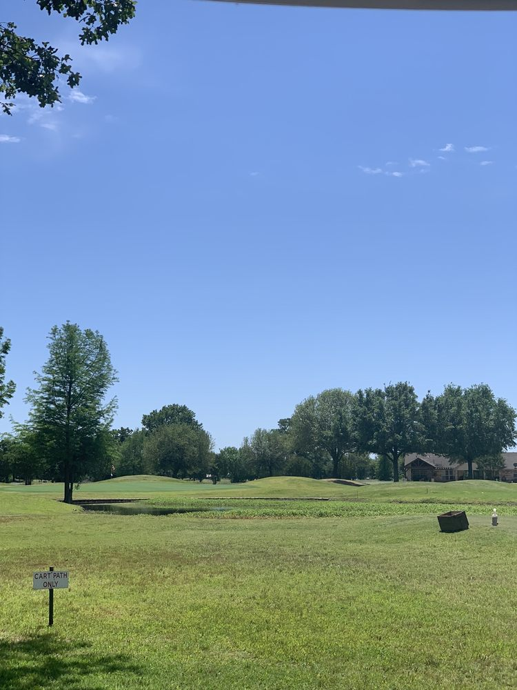 Lake Fork Golf Course: 252 Private Rd, Emory, TX