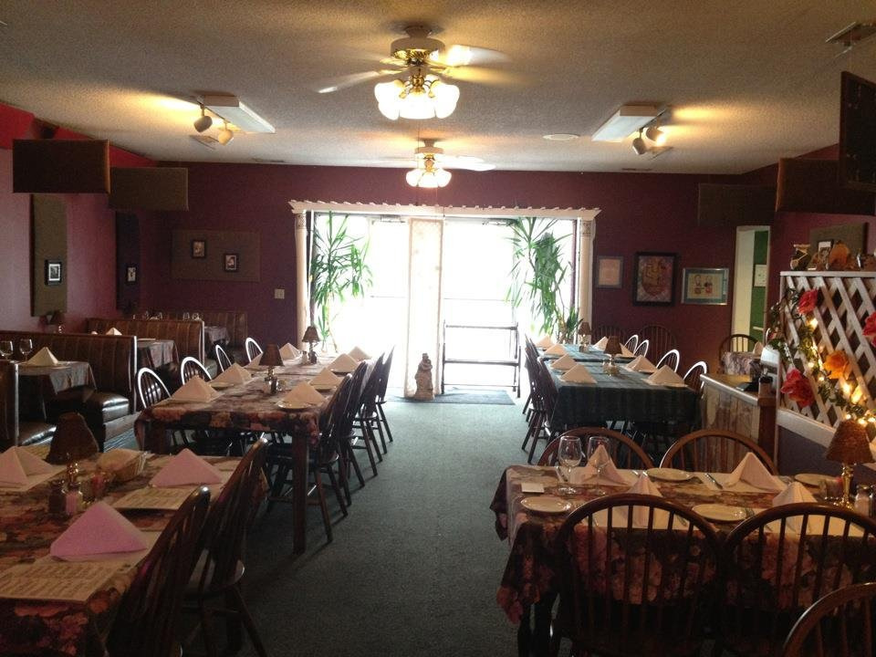 Manny and Isabella's: 5655 Peavine Rd, Crossville, TN