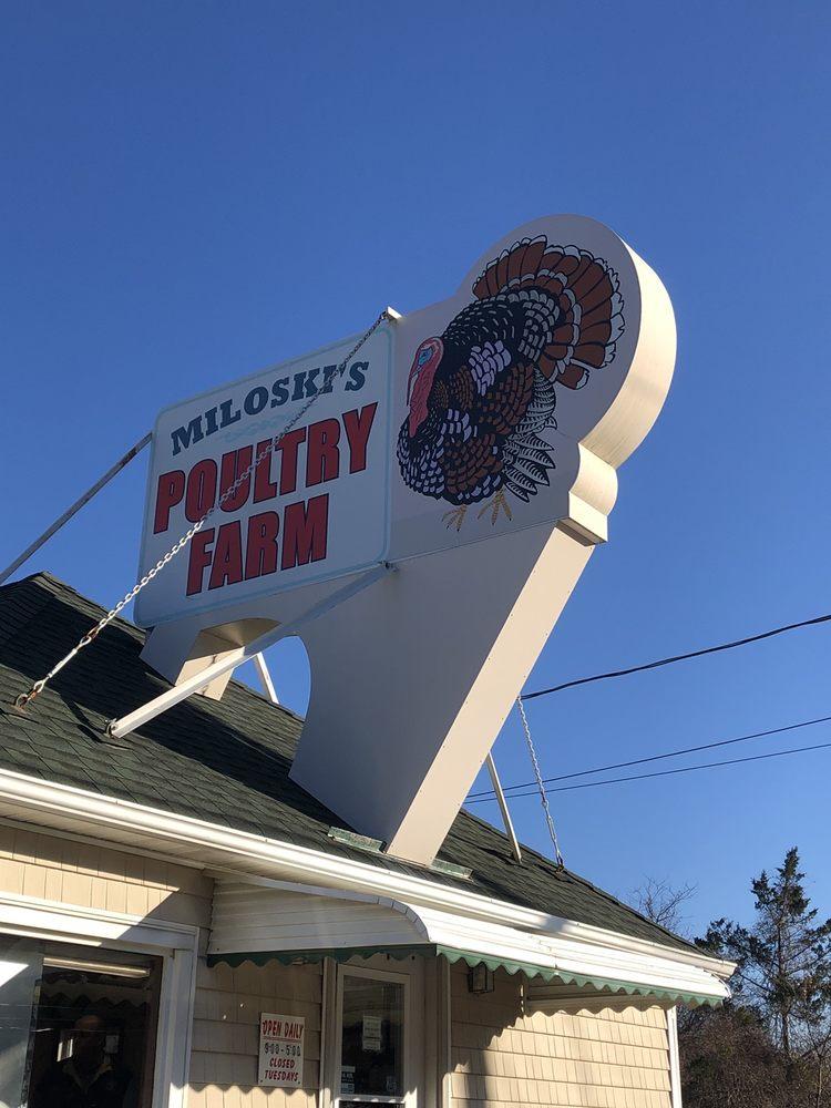 Miloski's Poultry Farm: 4418 Middle Country Rd, Calverton, NY