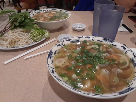Pho Bach Vietnamese Restaurant 1634 S 312th St Federal Way, WA