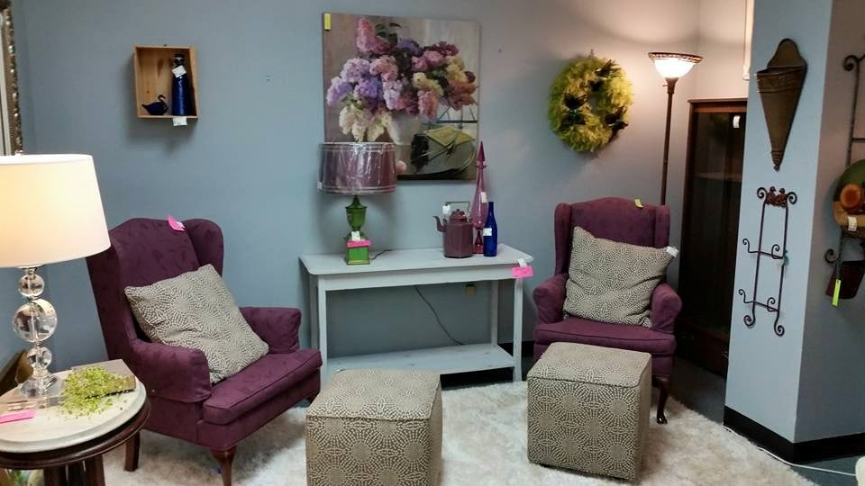 Feather Your Nest Furniture Consignments: 2854 Wade Hampton Blvd, Taylors, SC