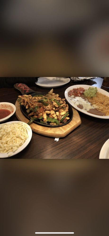 Tres Caminos Mexican Grill: 229 Grand Valley Blvd, Martinsville, IN
