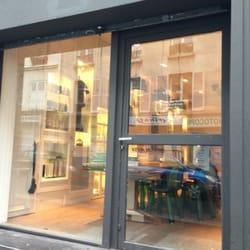 Vee hair 11 reviews hair salons 64 rue jean pierre for Hair salon paris france