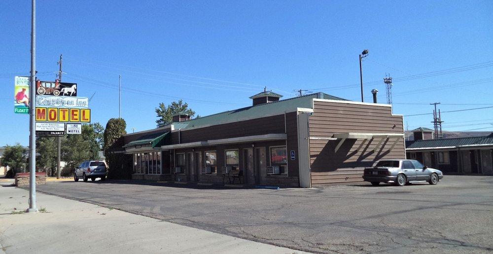 Coachman Inn Motel: 470 E Flaming Gorge Way, Green River, WY