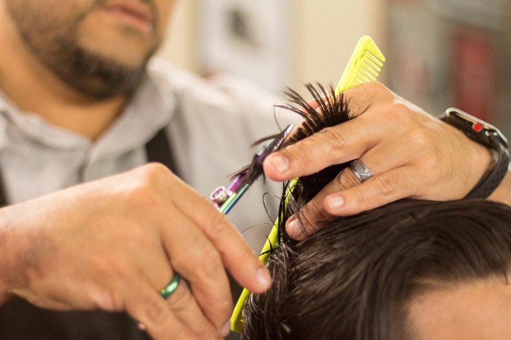 Vinny's Barbershop: 21630 Aldine Westfield, Humble, TX