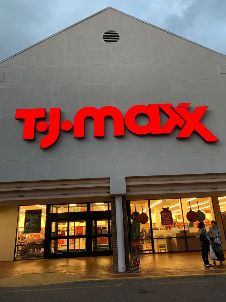 T J Maxx: 7555 W Hillsborough Ave, Tampa, FL