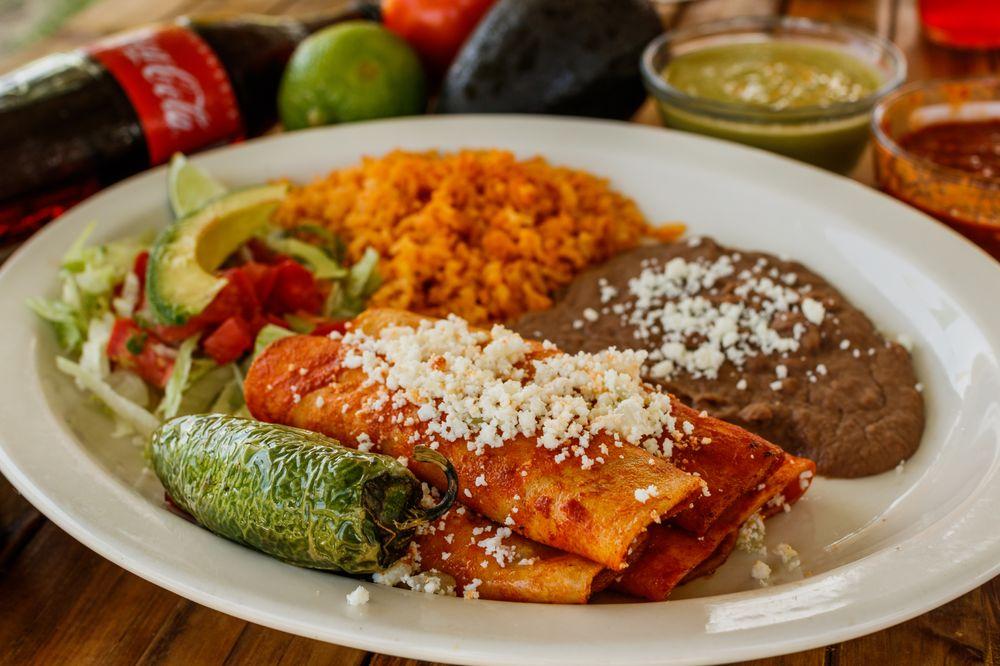 Taco Nene La Coqueta: 611 E Wallisville Rd, Highlands, TX