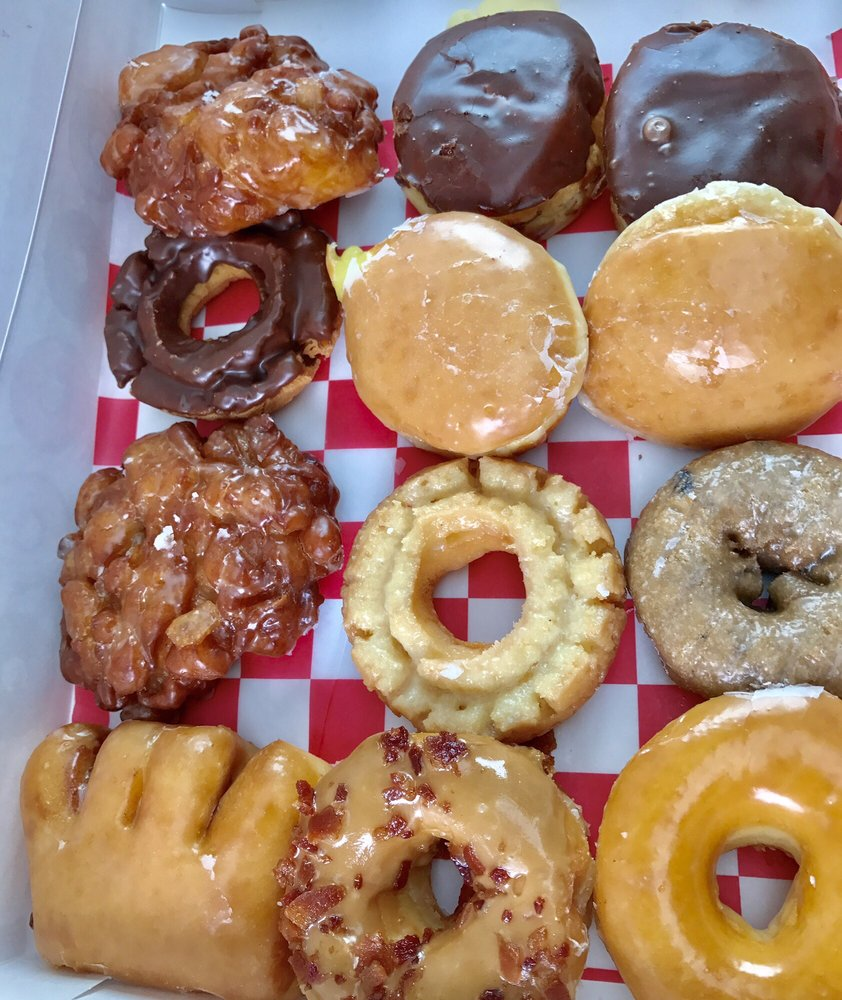 Tastee King Donuts: 1124 Congress Pkwy S, Athens, TN