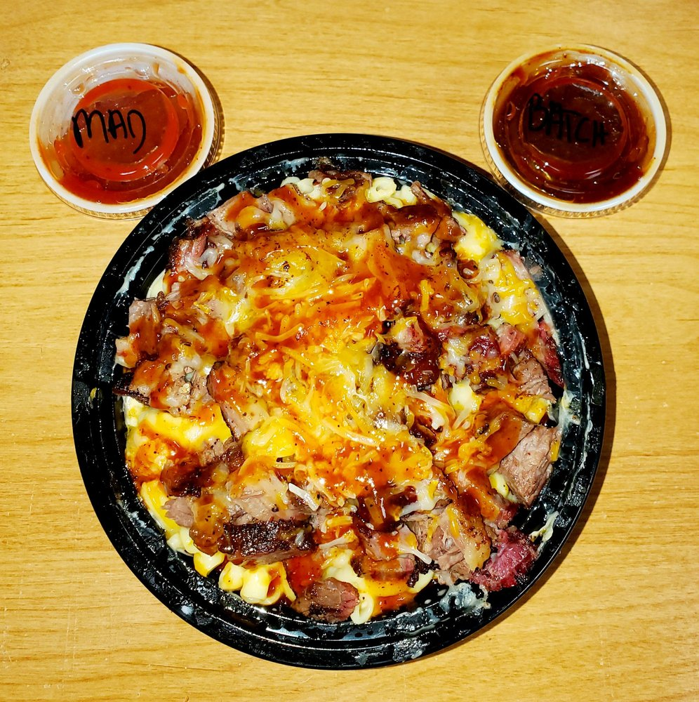 Batch Country Kitchen & Que: 6253 N Oak Trafficway, Gladstone, MO
