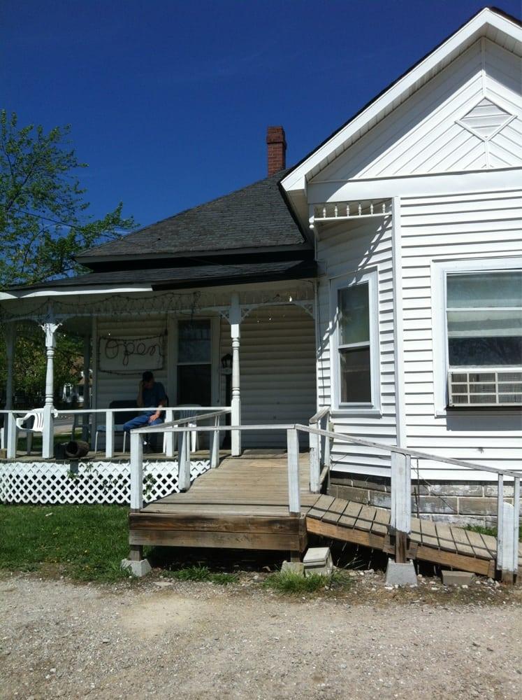 Spring Creek Cafe: 602 S McArthur St, Salem, MO