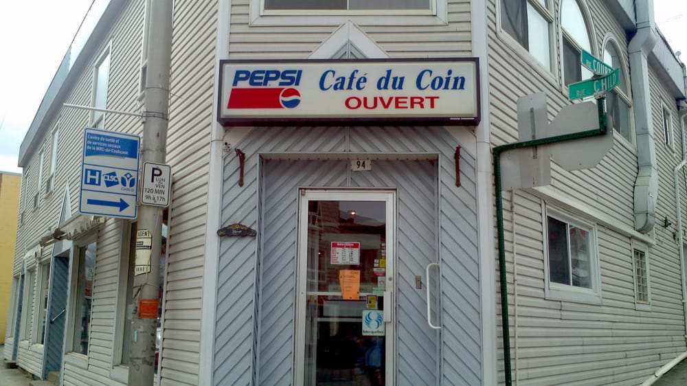 Cafe Du Coin: 94 Rue Child, Coaticook, QC