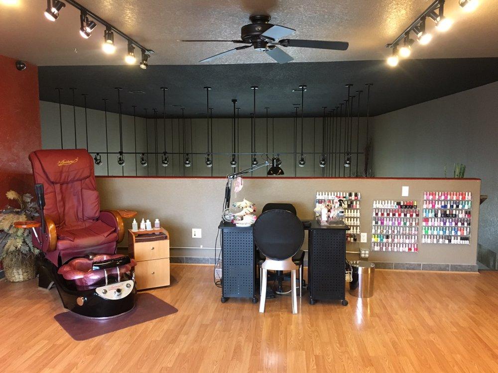 Claudias Nail Studio: 1068 Eagleridge Blvd, Pueblo, CO