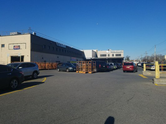 Jetro Restaurant Depot Wholesale Stores 18 30 132nd St College