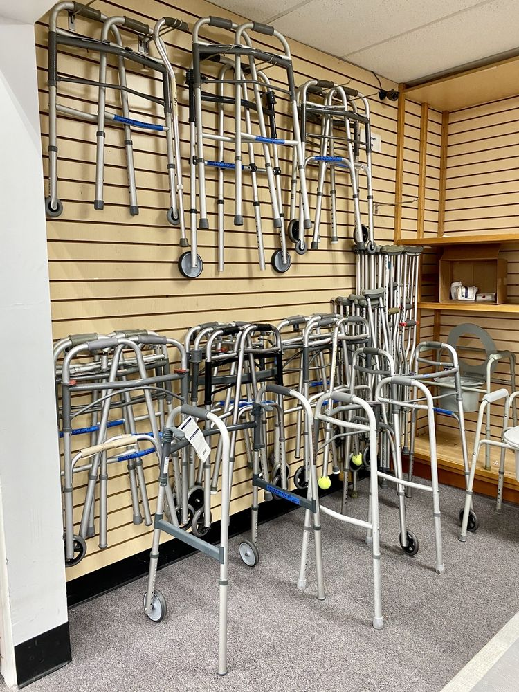 New To You Upscale Resale Store: 1700 W Roosevelt Rd, Broadview, IL
