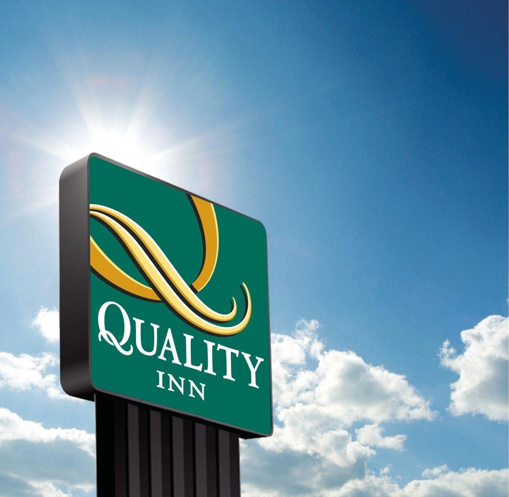 Quality Inn: 5403 State Line Ave, Texarkana, TX