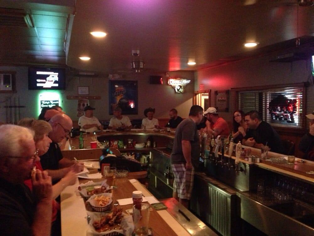 Kuzzins Cafe: 733 E Warren St, Dunmore, PA