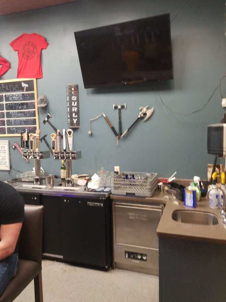JJ's Axes & Ales: 4810 S Western Ave, Sioux Falls, SD