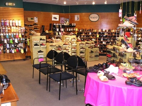 Simon Shoe Store Brookline