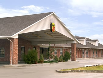 Super 8 by Wyndham Big Cabin/Vinita Area: 30954 S. Hwy 69, Vinita, OK
