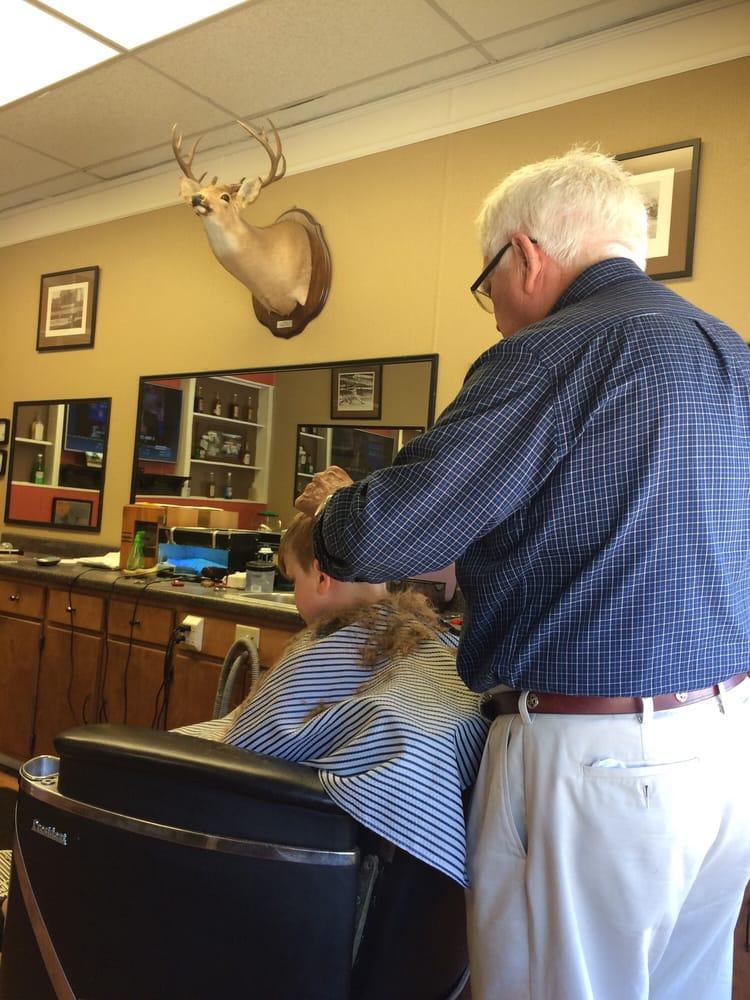 James & Joey Barber Shop: 111 2nd Ave, Huntingdon, TN