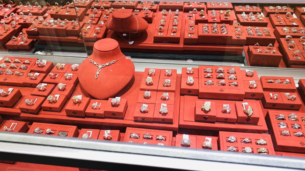 Valliani Jewelers: 1055 Newpark Mall Rd, Newark, CA