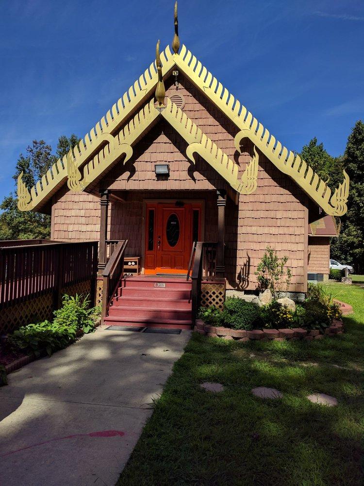 Wat Pasantidhamma: 14289 Chapmans Ln, Carrollton, VA