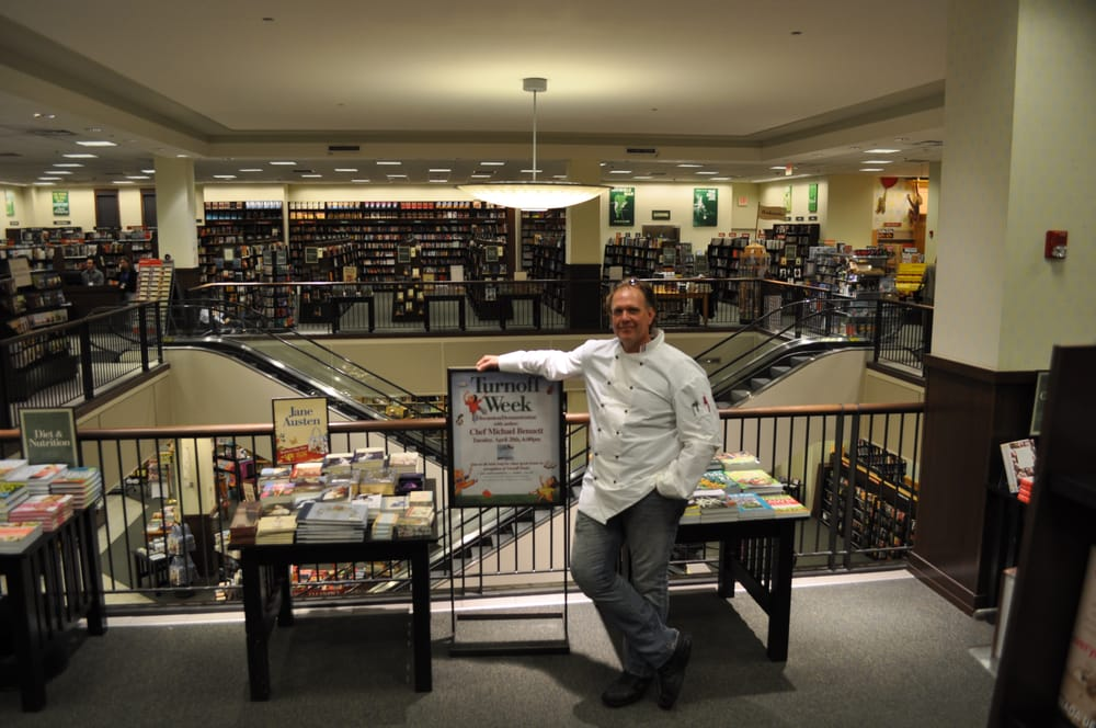 Barnes Noble 24 Photos 30 Reviews Bookstores 14572 Sw 5th St Pembroke Pines Fl
