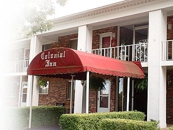 Colonial Inn: 2949 Hwy 25 N, Heber Springs, AR