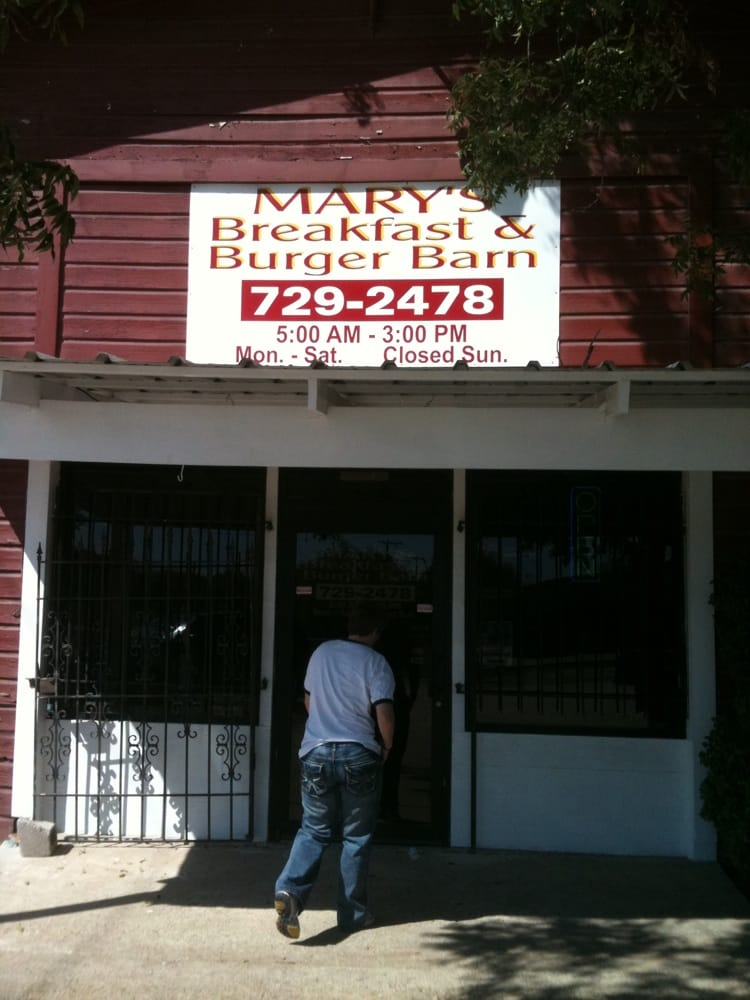 Mary's Breakfast and Burger Barn: 411 S Dr Jb Riggs Dr, Groesbeck, TX