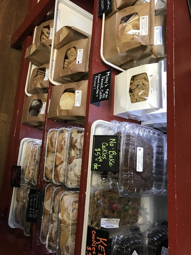 Front Porch Bakery: 18435 S Hwy 66, Claremore, OK
