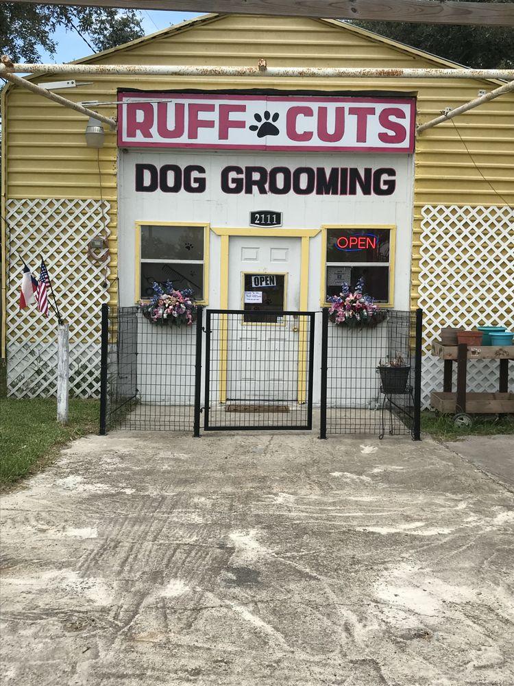 Ruff Cuts: 2111 Fm 3036, Rockport, TX