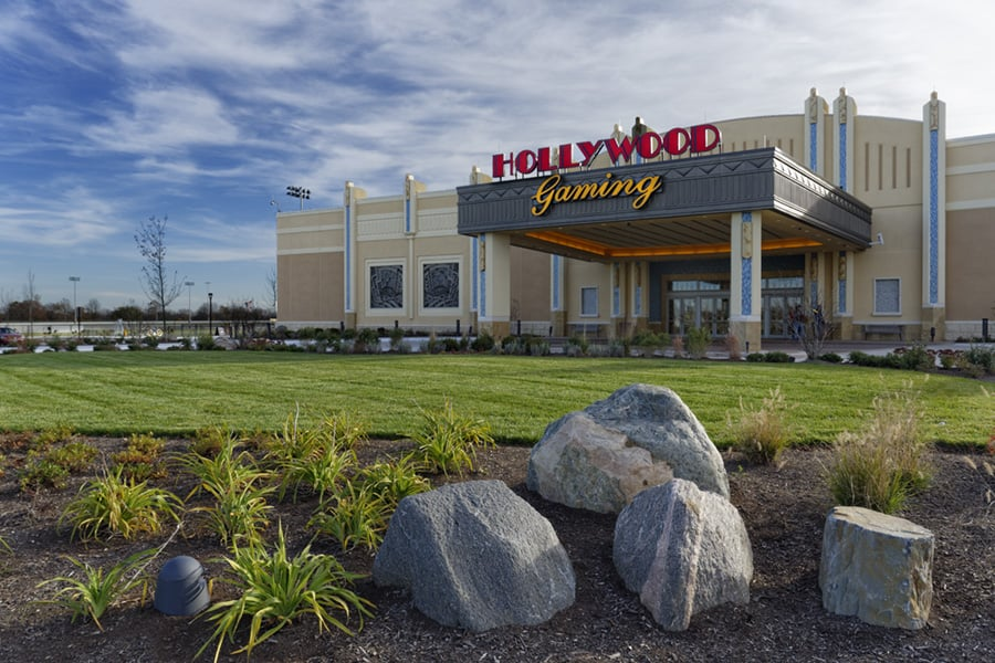 Hollywood Gaming at Dayton Raceway: 777 Hollywood Blvd, Dayton, OH