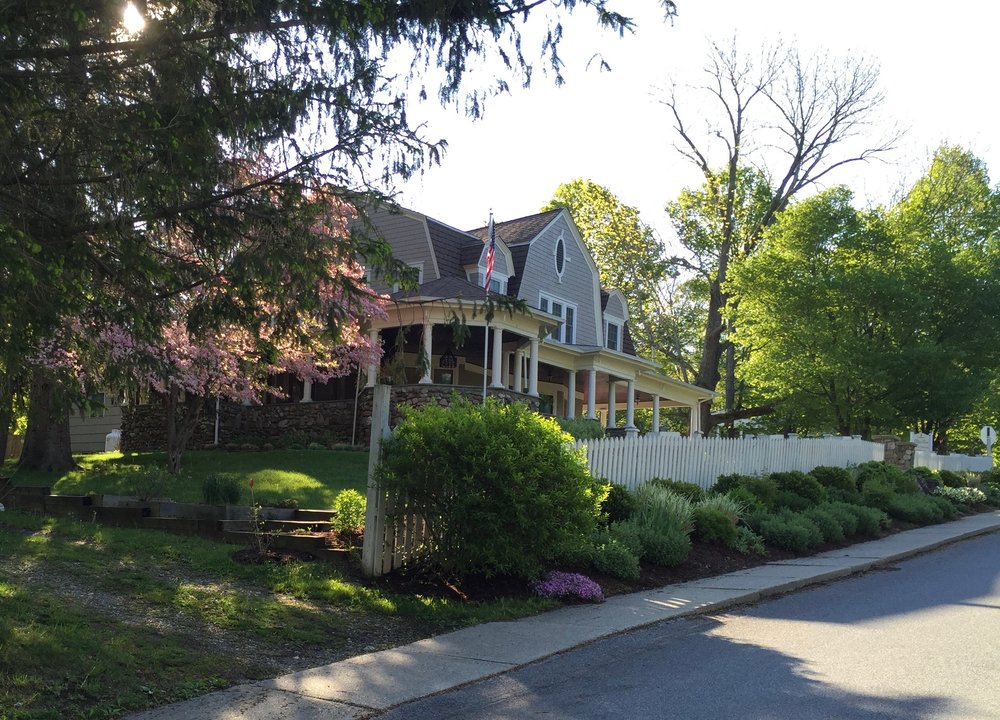 Hilltop House Bed & Breakfast: 43 Depot Hill Rd, Amenia, NY