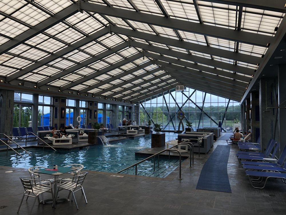 Mount Airy Resort: 312 Woodland Rd, Mount Pocono, PA