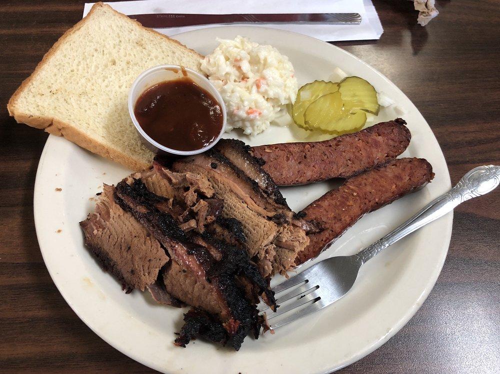 R-BBQ: 1209 N Center St, Sabinal, TX