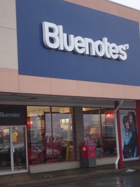 Bluenotes has been a proudly Canadian company since (the original store was called Thrifty's at the corner of Queen & Church St in Toronto). From day one, our roots have been firmly planted in denim.