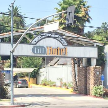 Tilt Hotel Universal Hollywood