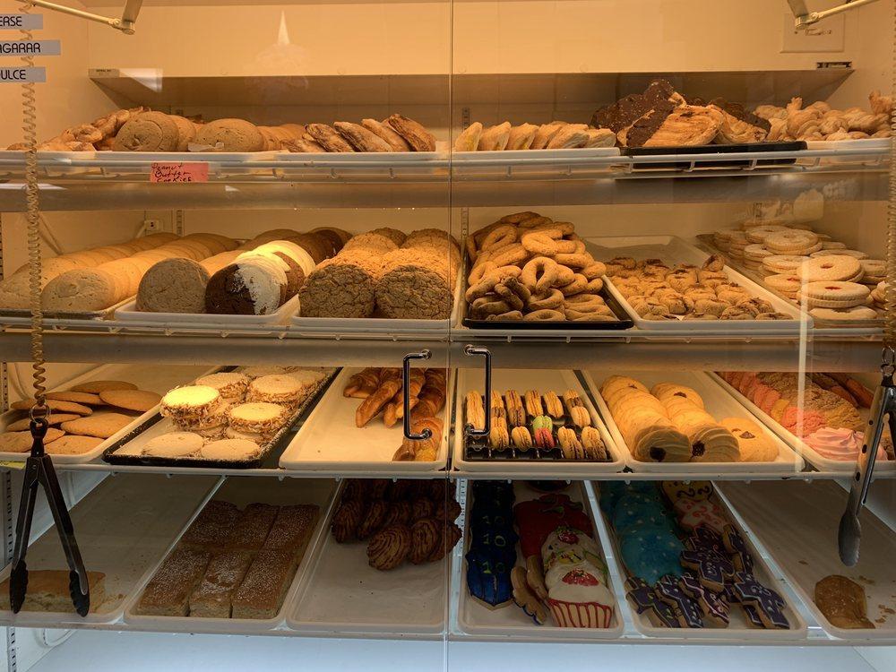 Herndon's Bodega & Bakery: 714 Lynn St, Herndon, VA