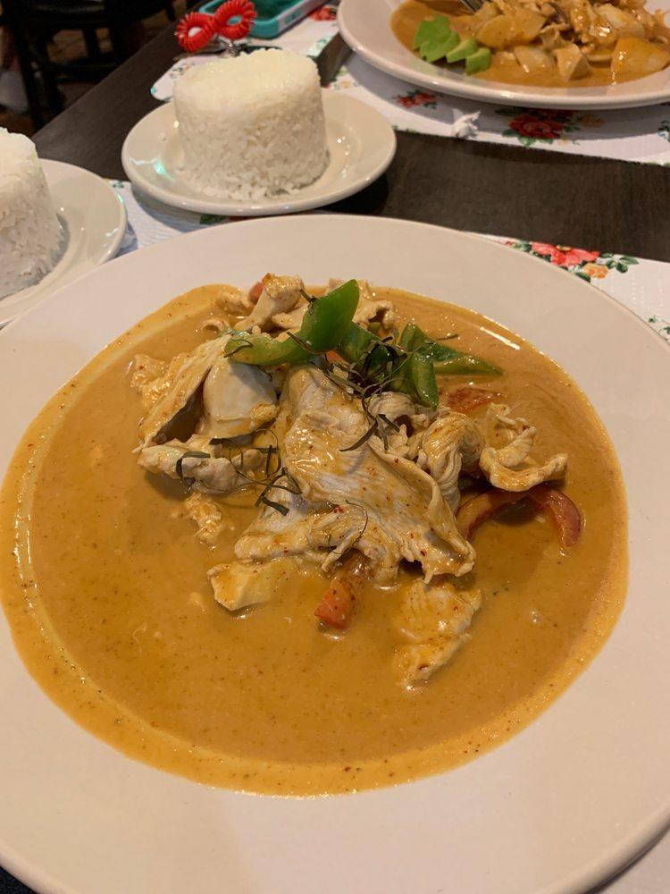 Thai Spice: 414 Greenville St E, Anderson, SC