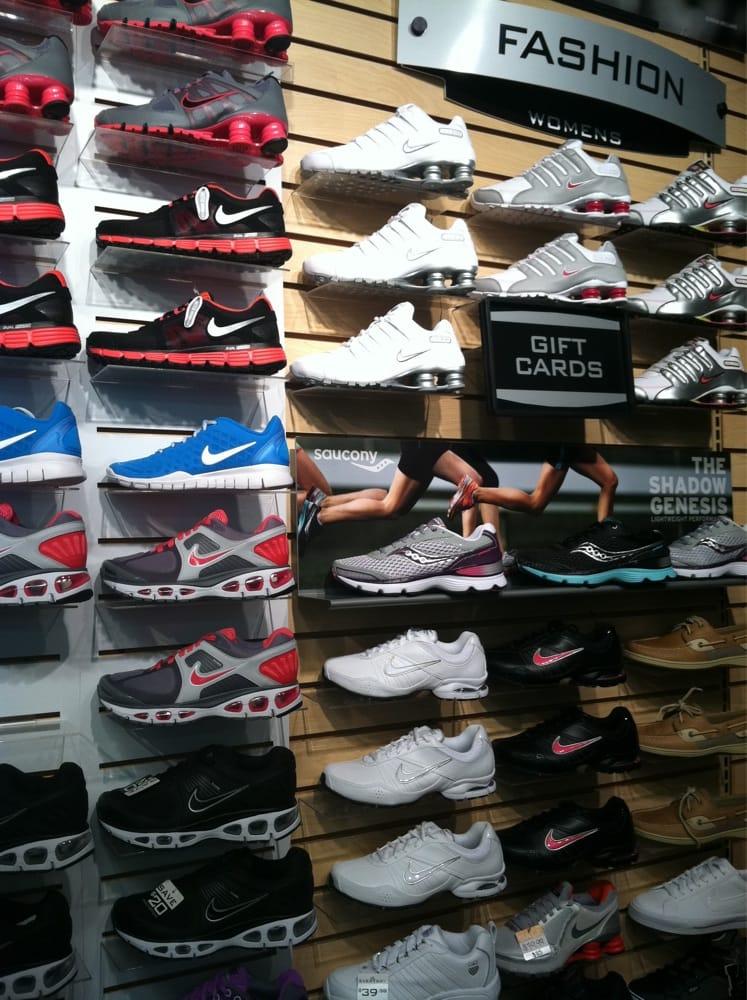 Hibbett Sporting Goods: 3755 Carmia Dr SW, Atlanta, GA