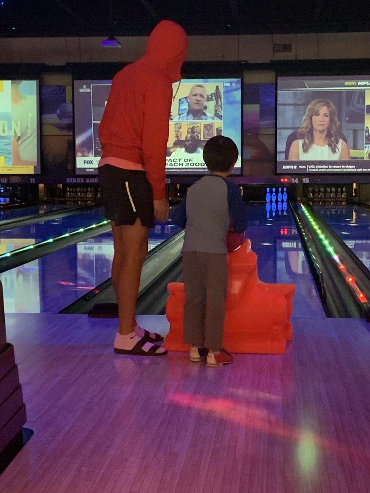 Stars and Strikes Family Entertainment Center