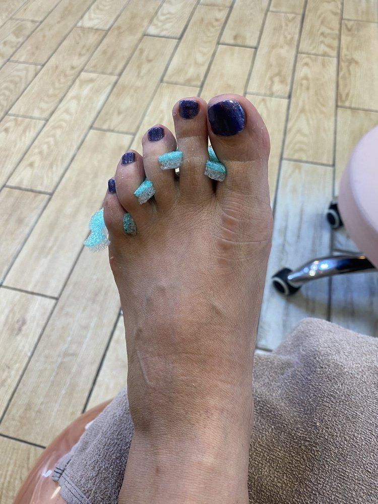Glamour Nails & Spa: 320 S Gevneva, Joplin, MO