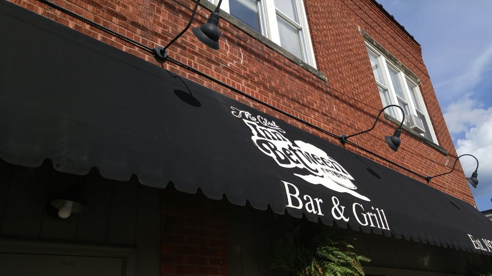 Club Inn Between: 212 20th St, Huntington, WV