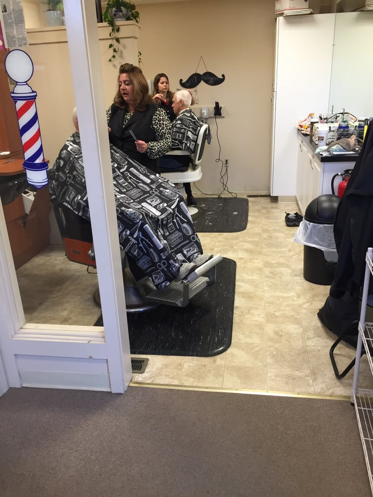 Heritage Village Barber Shop: 519 Heritage Rd, Southbury, CT